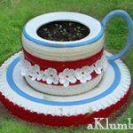 Клумбы в виде чайного сервиза — чашки и чайника